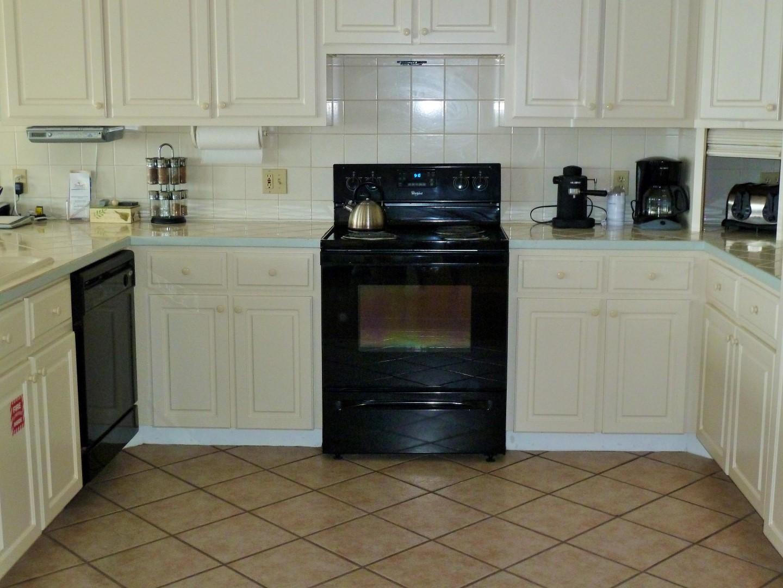 Kitchen Main Floor-1