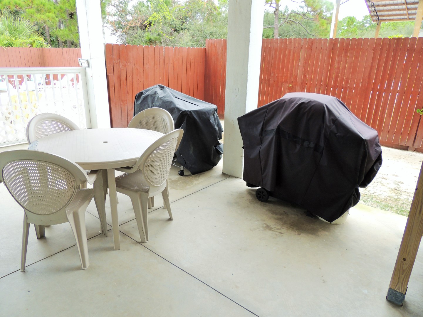 Three Palms Grilling Area- Charcoal Weber and Gas Grill-Next to Pool and Fenced in Yard-6