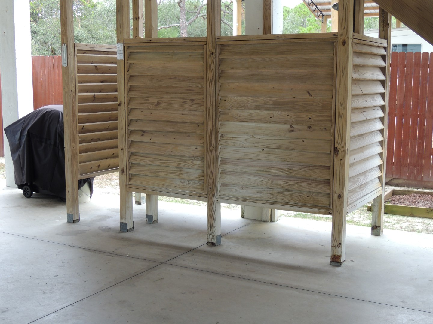 Three Palms Outdoor-Privacy Shower-7