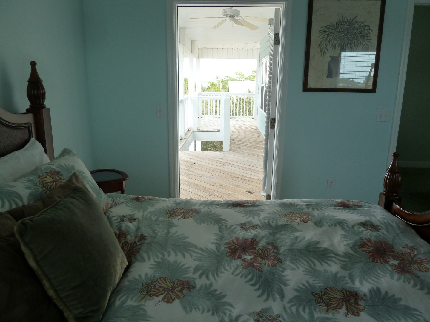 Three Palms- Palm BDR-King- View of Deck-Full Bath- Top Floor-12