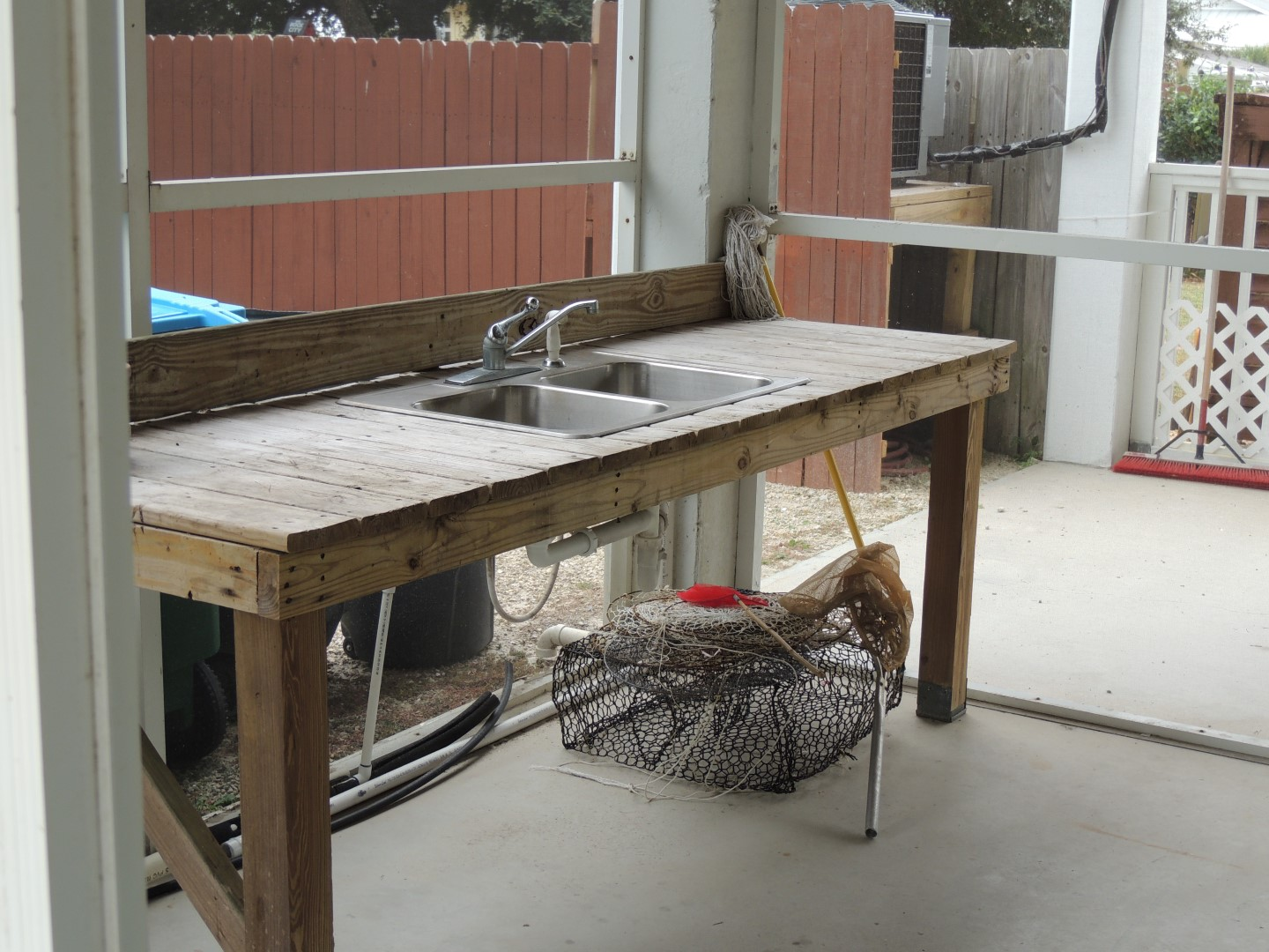 Three Palms Screened in Fish Cleaning Room-Double Sink and Cutting Board-Crab Trap-9