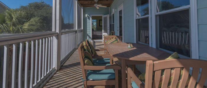 Three Palms Outdoor Deck