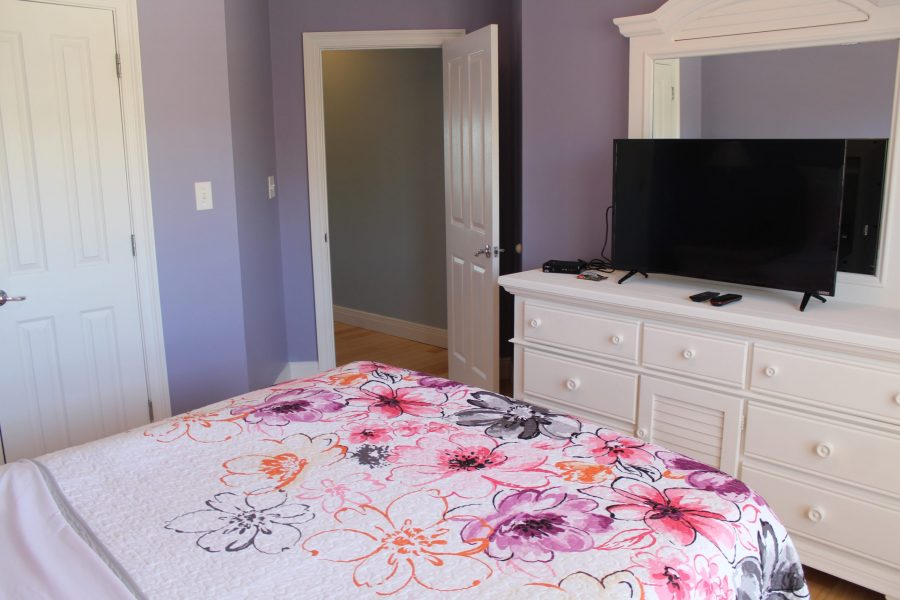 Purple Room, Top Floor across from Master Bedroom - Queen Mattress - Flatscreen TV
