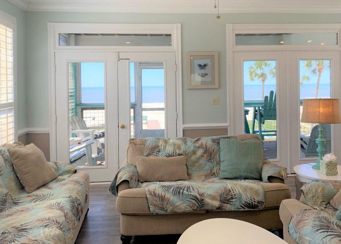Living Room-Close UP- Gulf of Mexico