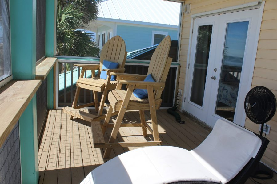Screened in Porch Deck #2-with Lounge Chairs