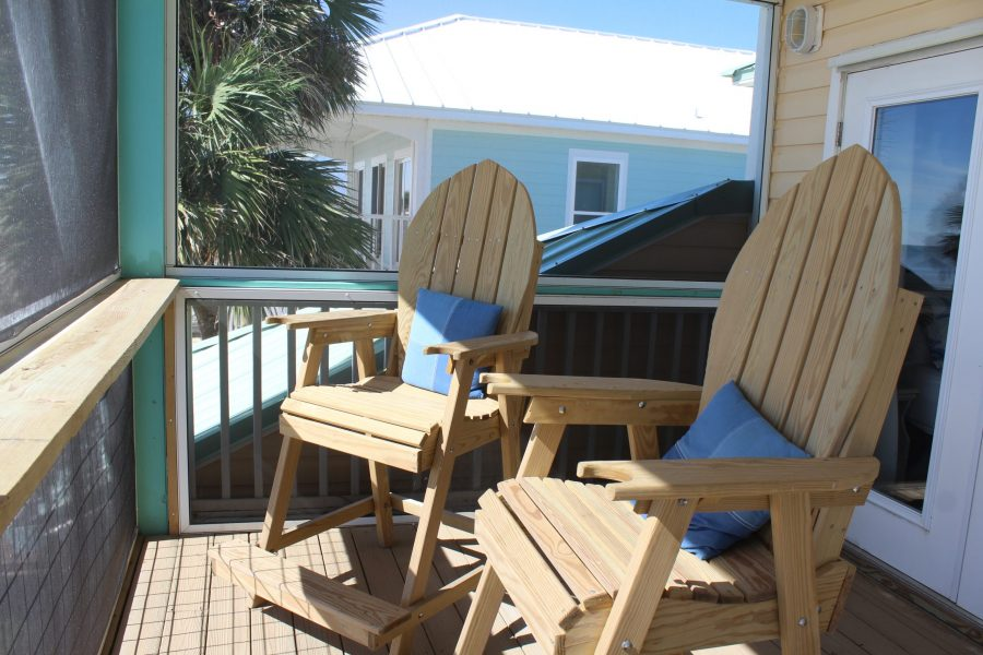Screened In- MBR-Deck #2-Lifeguard Chairs