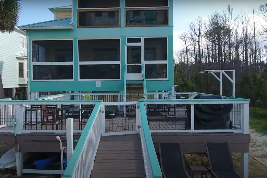 two-palms-boardwalk-facing-house-CLOSEUP
